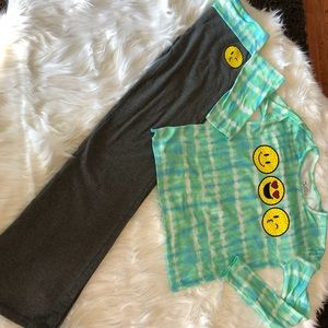 Emoji long sleeve top with bottoms